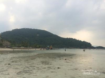 Pantai Sari Ringgung Yang Bikin Mager di Lampung