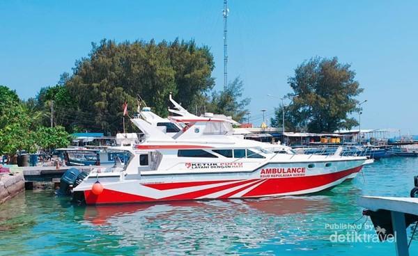 Kapal Ambulans RSUD Kepulauan Seribu.