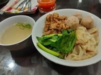 Tidak hanya mie ayam, disini juga terdapat aneka macam chinese food