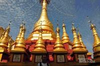 Pagoda di puncak gunung Poppa