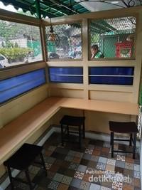 Tersedia area outdoor untuk pengunjung yang merokok