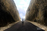 Tebing melasti Kab Badung Kuta selatan yang memukau Tempat yang instagramble yang sering unruk lokasi prewedding