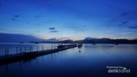 Dermaga Pulau Gili Noko yang sangat Indah di Senja menjelang Malam