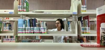 Menghabiskan Akhir Pekan di Perpustakaan Nasional
