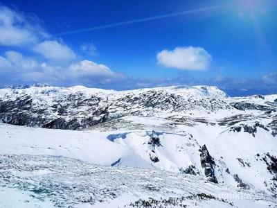 Bukan di Swiss, Gunung Salju ini Dekat dari Indonesia