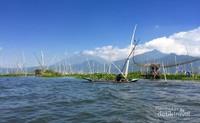 Kehidupan nelayan di kawasan rawa pening