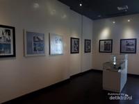 Satu ruangan yang menampilkan karya-karya C. P. Wolff Schoemaker, seorang arsitek yang mendesain Hotel Grand Preanger dan banyak bangunan ikonik di Bandung