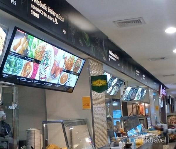Resto India Halal di Food Court lantai 6 Platinum Mall Bangkok.