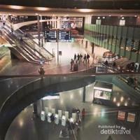 Bandara internasional Zurich, Swiss