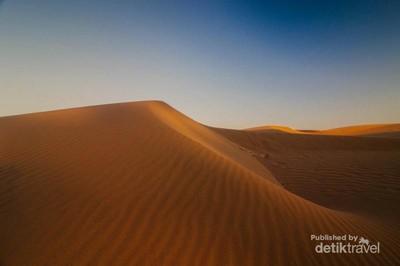 Bukan di Mesir, Ini Gundukan Pasir Pantai Kupang