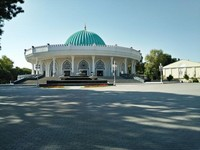 Bangunan museum Amir Timur yang megah