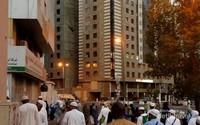 Jamaah haji berangkat menuju Masjidil Haram