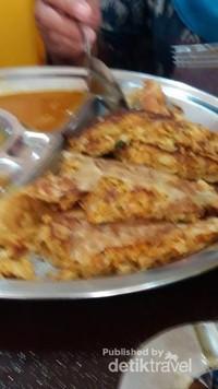 Murtabak di Al-Baik Restaurant