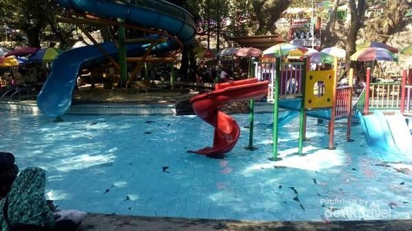 Salah satu kolam renang di umbul Cokro