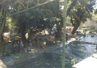 Sisi lain kolam