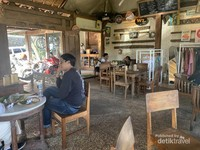 Nuansa Tradisional di Warung Taru