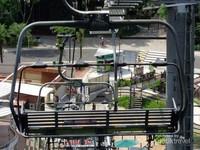 Pemandangan Singapura lainnya dari atas Kereta Gantung, Pulau Sentosa.
