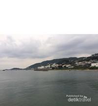 Pantai Akiya