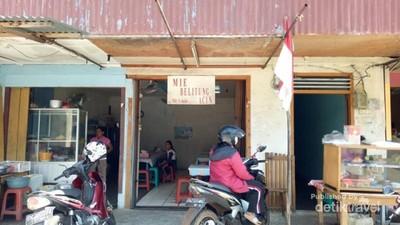 Mie Acin: Wisata Kuliner Enak Khas dari Belitung