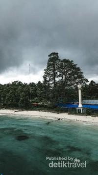 Pantai Liang, Maluku