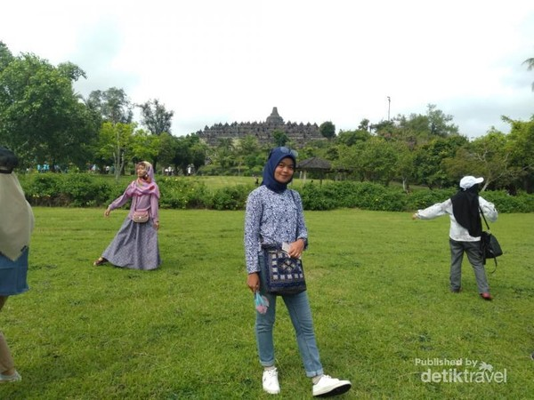 Kemegahan Candi Borobudur. Foto diambil pada tahun 2018