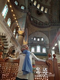 Di Dalam masjid Sultanahmet atau Blue Mosque.