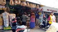 Toko oleh-oleh yang menjual aneka panganan khas Garut.