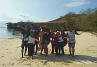 Serunya Terdampar di Pulau Tak Berpenghuni