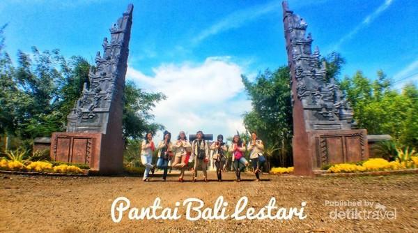 Pintu masuk Pantai Bali Lestari