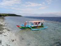 Pantai nya bersih, air lautnya juga jernih.