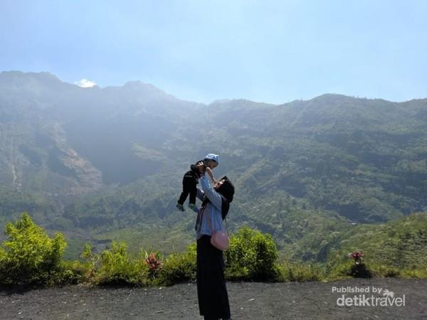 Me and Maharanu, Gunung Galunggung.
