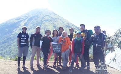 Kisah Pendakian Gunung Kembang, Adiknya Gunung Sindoro