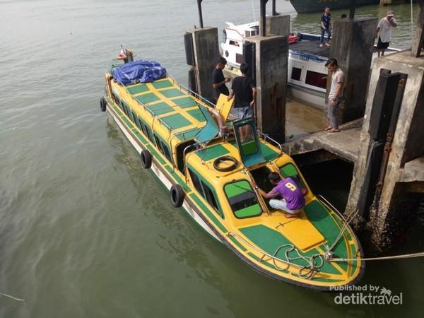 Speadboat di Pelabuhan Tengkayu, Tarakan