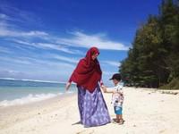 Pantai Laguna, cerah dan menawan