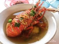Lobster, kuliner di Pantai Linau
