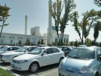 Masjid Minor, dikenal juga sebagai masjid putih yang cantik