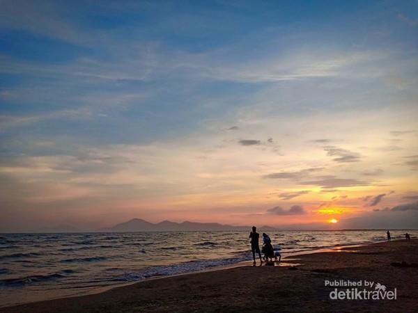 Indahnya menanti senja di Pantai Dadaepo