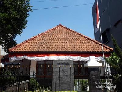 Bertamu ke Rumah Inggit Garnasih, Istri Sang Proklamator