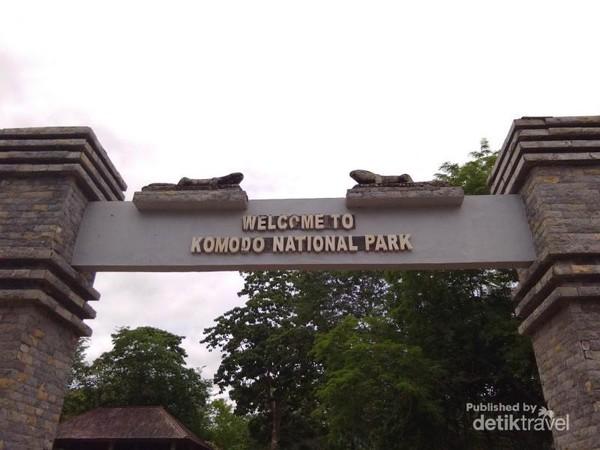 Gerbang Taman Nasional Komodo