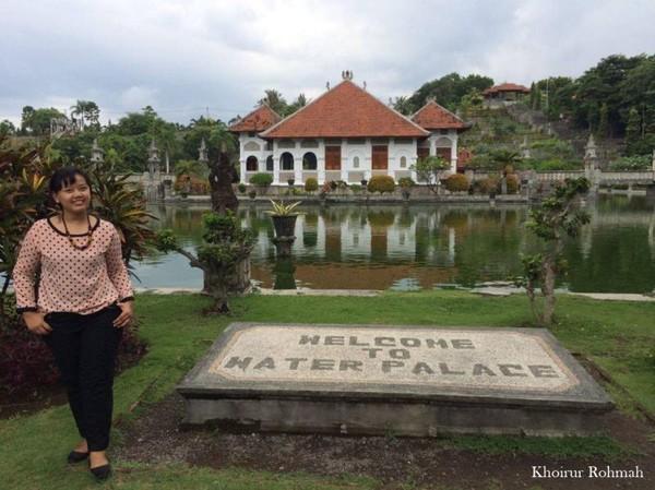 Selamat datang di Istana Air, Taman Ujung Amlapura Karangasem Bali yang indahnya bagaikan sebuah istana kerajaan yang penuh akan kemagisannya