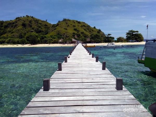 Dermaga Pulau Kanawa Labuan Bajo