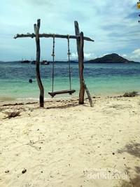 Spot foto instagramable Pulau Kanawa