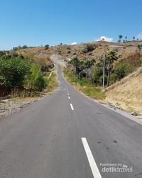 Pemandangan bukit selama perjalanan
