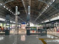 Peron Stasiun Tanjung Priok