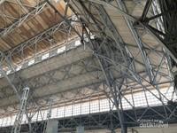 Atap stasiun tanjung priuk