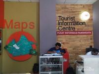 SOUVENIR SHOP DAN DI DALAMNYA TERDAPAT TOURIST INFORMATION CENTRE