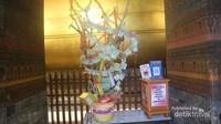 Salah satu kotak donasi yang ada di Wat Pho