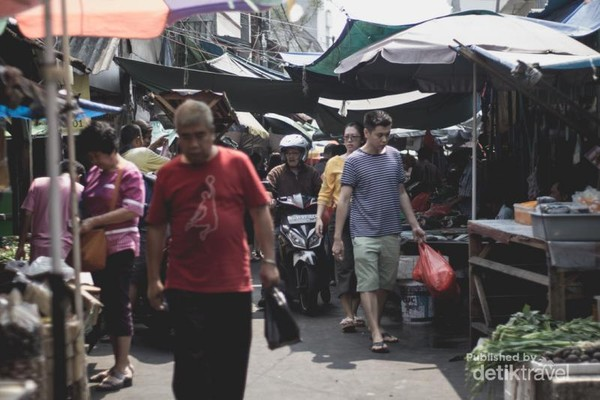 Suasana Pasar Petak Sembilan