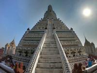 Pada bagian paling atas, bisa dijumpai patung Dewa Indra yang merupakan pimpinan tertinggi para Dewa