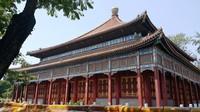 Salah satu bangunan di Taman Bei Hai